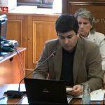 Álvaro Santos Pereira ri-se à fartazana de Vítor Gaspar na Assembleia da República