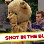 Apanhados – Dar o tiro no rabo de alguém acidentalmente