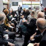 Apanhados – Falsa reunião na secção cadeiras da Staples