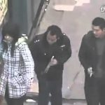 China – Carteiristas roubam com ajuda de pauzinhos