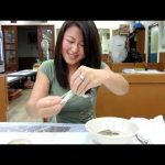 Comer um polvo vivo