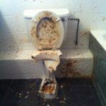 Como desentupir uma sanita de uma forma drástica