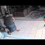Como roubar uma televisão em menos de 10 segundos
