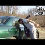 Cromo tenta partir o vidro do carro com a cabeça