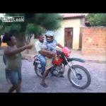 Fail – Dois bêbados em cima de uma mota
