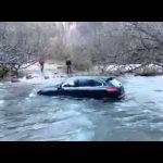 Fail – Quando um maluco pensa que um Porsche Cayenne pode atravessar um riacho