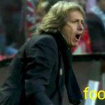 Jorge Jesus perde a pastilha durante o jogo do Benfica