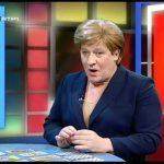 Maya faz previsões a Angela Merkel – Herman 2012 – RTP1