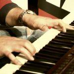 """Mónica Sintra canta """"Whataya Want From Me"""" de Adam Lambert – Sem Palheta – RFM – 24 de Junho"""