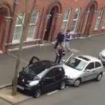 Mulher demora 15 minutos para estacionar o carro num sitio onde cabiam 2