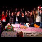 """Música de Natal da Rádio Comercial – 2014 – Vasco Palmeirim – Taylor Swift """"Shake It Off"""""""