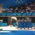 O maior fail dos Jogos Olímpicos 2012 – Stephan Feck bate de chapa na água