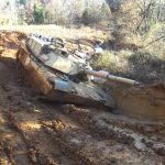 Off Road com um tanque de guerra