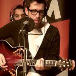 """Paulo Vintém canta """"Scratch My Back"""" da Aurea – Sem Palheta – Café da Manhã – 22 de Julho"""
