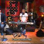 """Pedro Fernandes canta """"Não vou contigo dentro de aviões"""" – 5 Para a Meia Noite – RTP1"""
