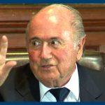 Presidente da FIFA – Joseph Blatter – goza com Cristiano Ronaldo