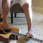 Toca melhor com os pés do que muita gente com as duas mãos – Tony Meléndez